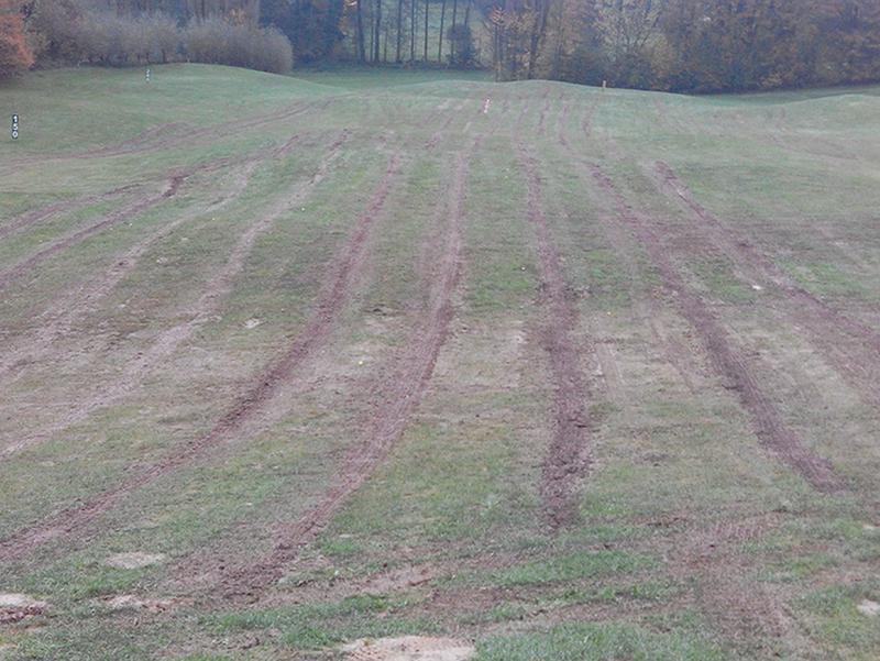 Neue Drainagegräben auf der Driving Range